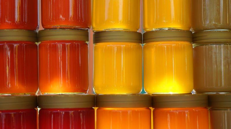 Jak využít blahodárné účinky medu na vlasy
