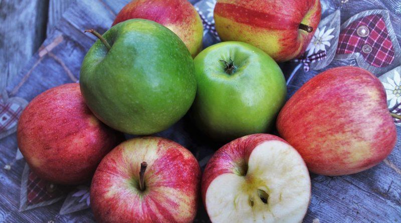 Několik důvodů proč denně sníst alespoň jedno jablko