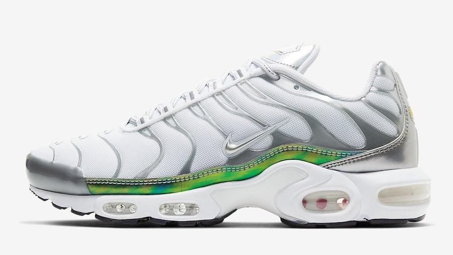 Tenisky Nike Air Max Plus White Metallic CW2646-100