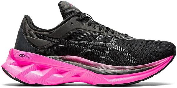 Běžecká dámská obuv Asics Novablast 1012A584-003 černé