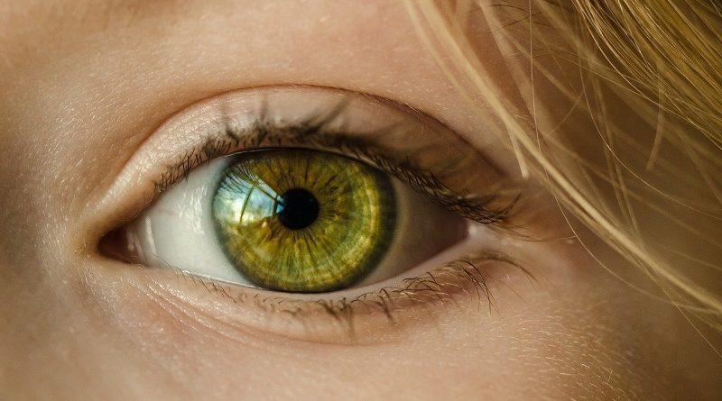 Nejúčinnější oční kapky a přípravky na podrážděné a suché oči