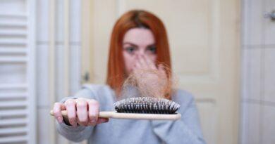 Nejlepší přírodní léky a přípravky proti vypadávání vlasů