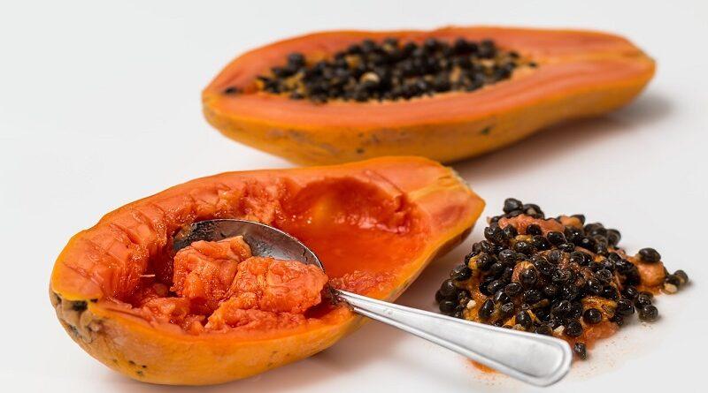 6 zdravotních výhod proč konzumovat čerstvé i sušené papáje