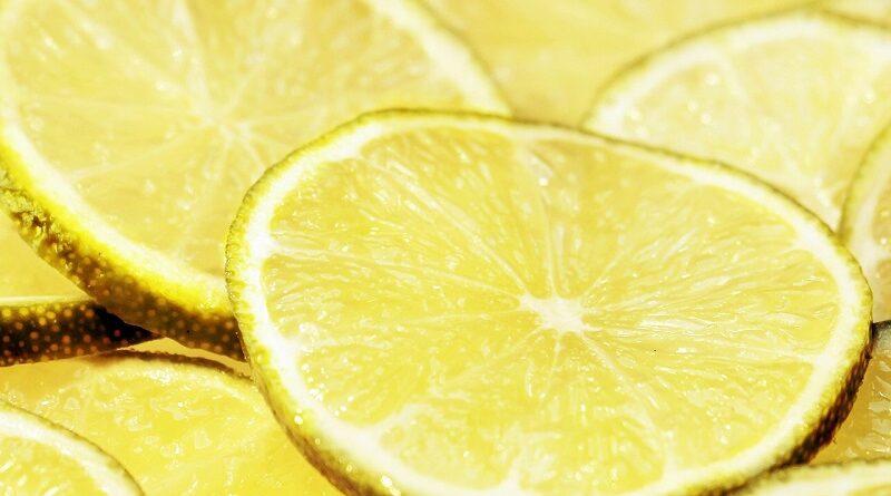 Proč zařadit do jídelníčku citrony a jejich zdravotní výhody